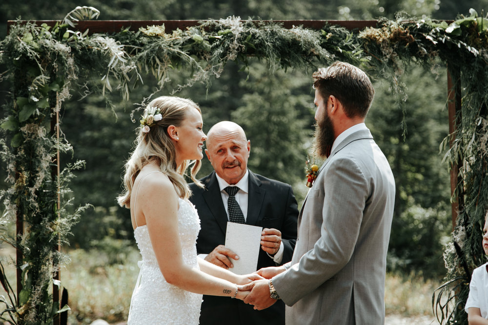 castle-mountain-wedding-photographer-love-and-be-loved-photography-lethbridge-pincher-creek-crowsnest-pass-yannick-rylee-photo-image-picture-74.jpg