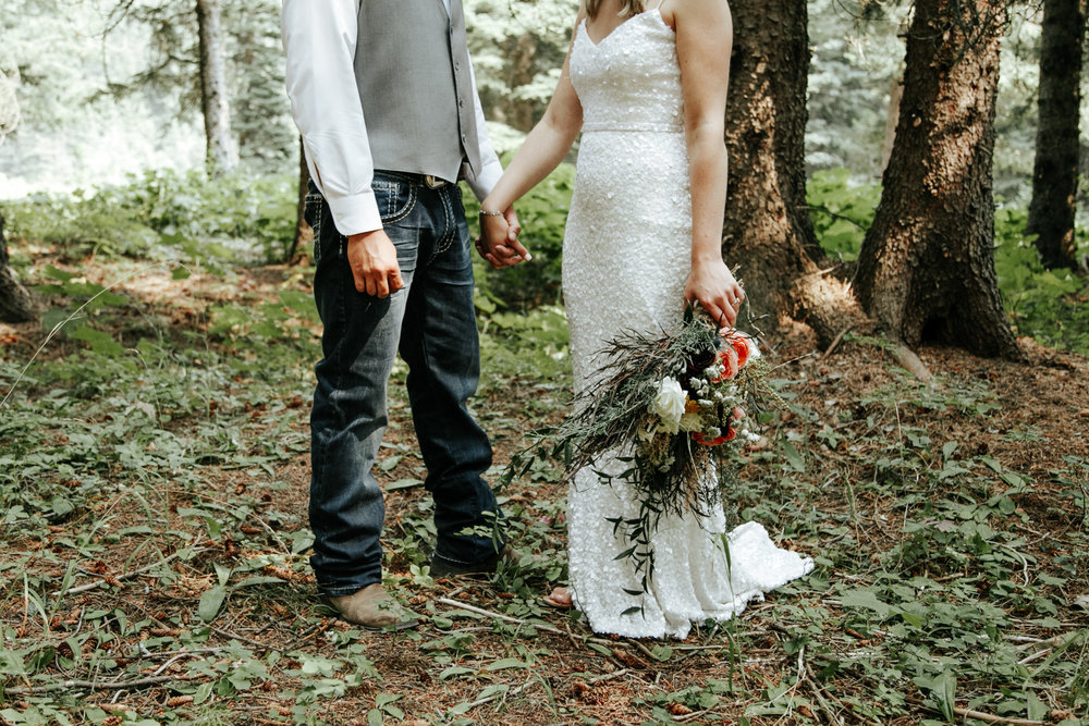 castle-mountain-wedding-photographer-love-and-be-loved-photography-lethbridge-pincher-creek-crowsnest-pass-yannick-rylee-photo-image-picture-100.jpg