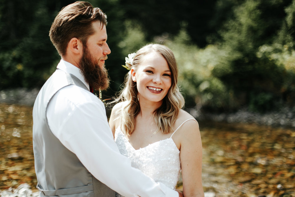 castle-mountain-wedding-photographer-love-and-be-loved-photography-lethbridge-pincher-creek-crowsnest-pass-yannick-rylee-photo-image-picture-121.jpg