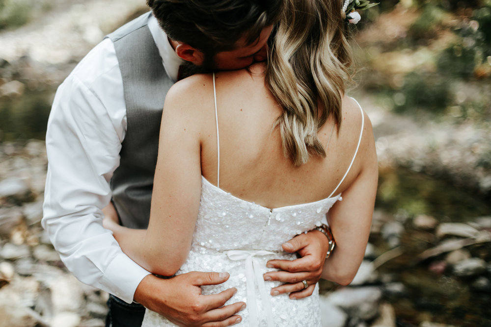 castle-mountain-wedding-photographer-love-and-be-loved-photography-lethbridge-pincher-creek-crowsnest-pass-yannick-rylee-photo-image-picture-127.jpg