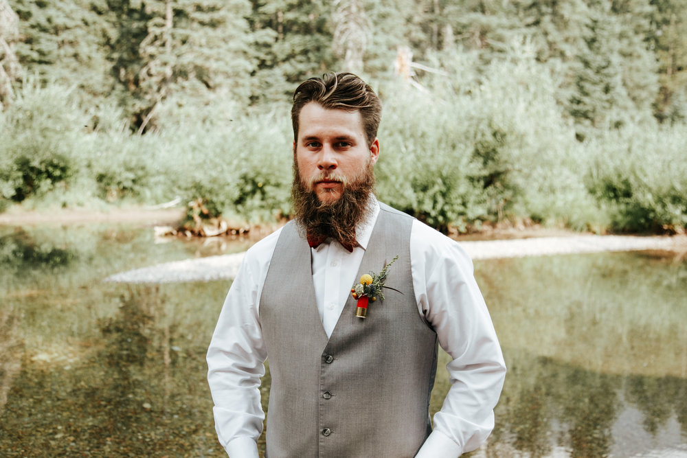 castle-mountain-wedding-photographer-love-and-be-loved-photography-lethbridge-pincher-creek-crowsnest-pass-yannick-rylee-photo-image-picture-140.jpg
