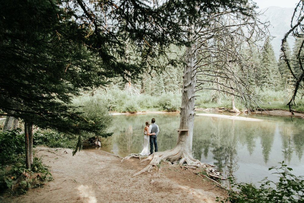 castle-mountain-wedding-photographer-love-and-be-loved-photography-lethbridge-pincher-creek-crowsnest-pass-yannick-rylee-photo-image-picture-155.jpg