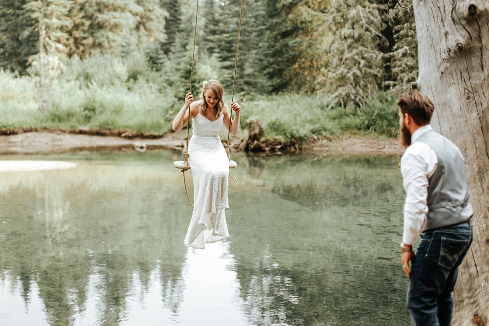 castle-mountain-wedding-photographer-love-and-be-loved-photography-lethbridge-pincher-creek-crowsnest-pass-yannick-rylee-photo-image-picture-155161.jpg