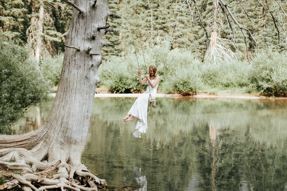 castle-mountain-wedding-photographer-love-and-be-loved-photography-lethbridge-pincher-creek-crowsnest-pass-yannick-rylee-photo-image-picture-155162.jpg