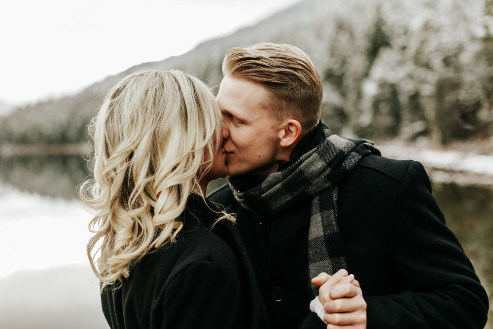 love-and-be-loved-photography-mountain-engagement-ashlyn-rob-perfect-fit-4-u-photo-image-picture-8.jpg
