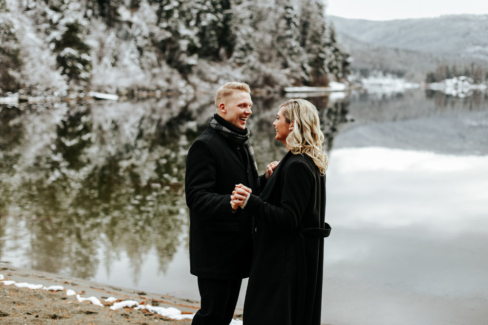 love-and-be-loved-photography-mountain-engagement-ashlyn-rob-perfect-fit-4-u-photo-image-picture-13.jpg