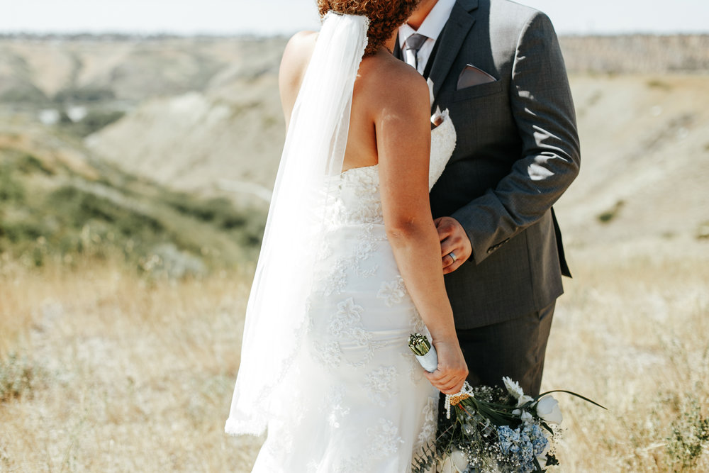 lethbridge-wedding-photographer-love-and-be-loved-photography-trent-danielle-galt-reception-picture-image-photo-92.jpg
