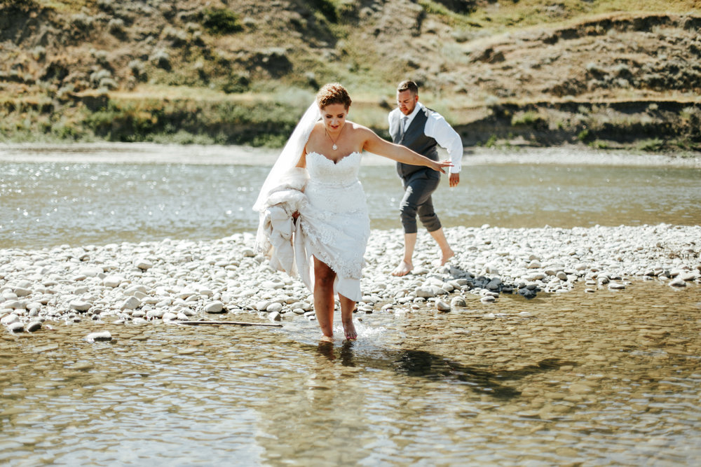 lethbridge-wedding-photographer-love-and-be-loved-photography-trent-danielle-galt-reception-picture-image-photo-143.jpg