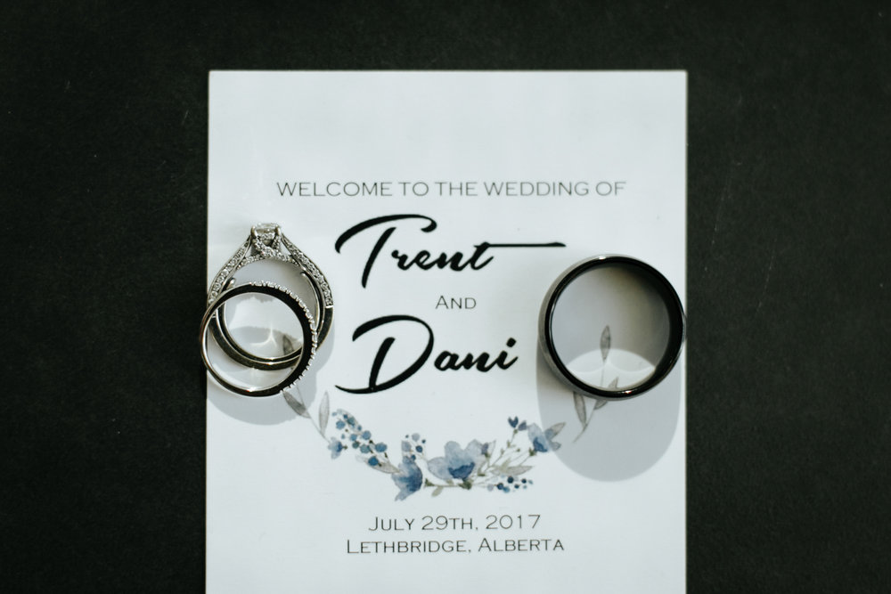 lethbridge-wedding-photographer-love-and-be-loved-photography-trent-danielle-galt-reception-picture-image-photo-167.jpg