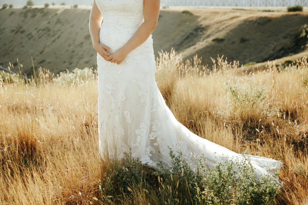 lethbridge-wedding-photographer-love-and-be-loved-photography-trent-danielle-galt-reception-picture-image-photo-196.jpg