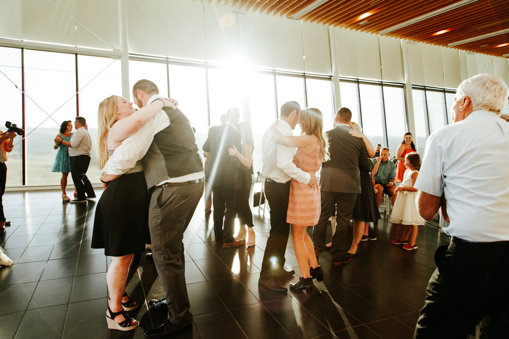 lethbridge-wedding-photographer-love-and-be-loved-photography-trent-danielle-galt-reception-picture-image-photo-214.jpg