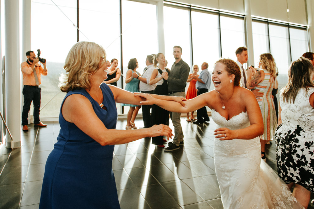 lethbridge-wedding-photographer-love-and-be-loved-photography-trent-danielle-galt-reception-picture-image-photo-218.jpg