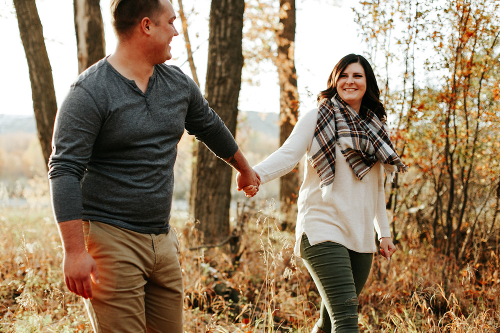 lethbridge-photographer-love-and-be-loved-photography-christy-bryan-fall-autumn-engagement-photo-image-picture-19.jpg