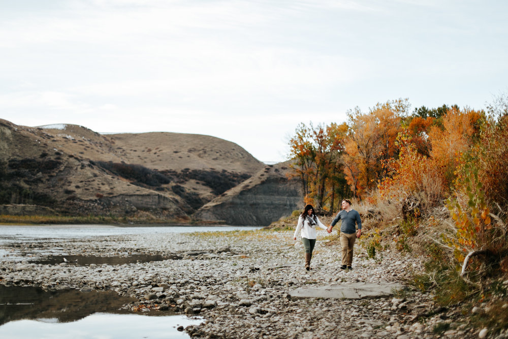 lethbridge-photographer-love-and-be-loved-photography-christy-bryan-fall-autumn-engagement-photo-image-picture-43.jpg