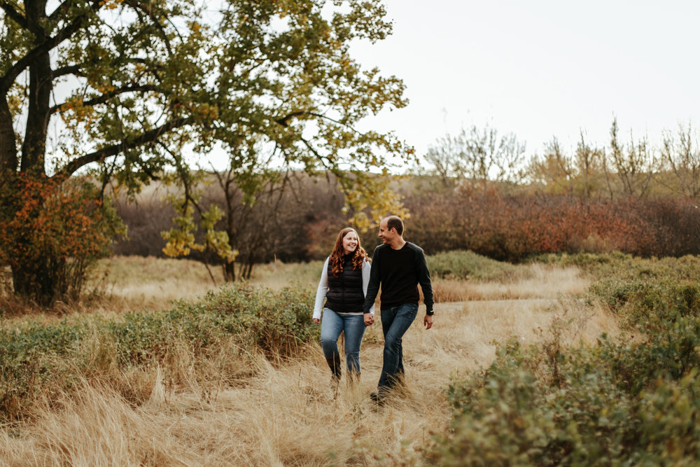 lethbridge-photographer-love-and-be-loved-photography-indian-battle-park-engagement-mike-carmel-photo-image-picture-8.jpg