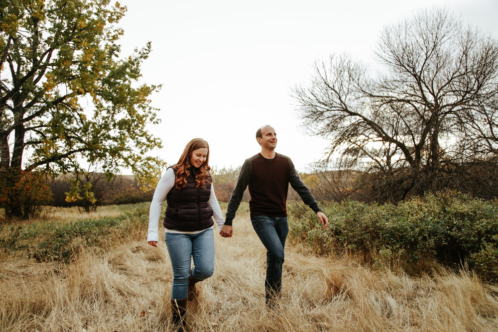 lethbridge-photographer-love-and-be-loved-photography-indian-battle-park-engagement-mike-carmel-photo-image-picture-10.jpg