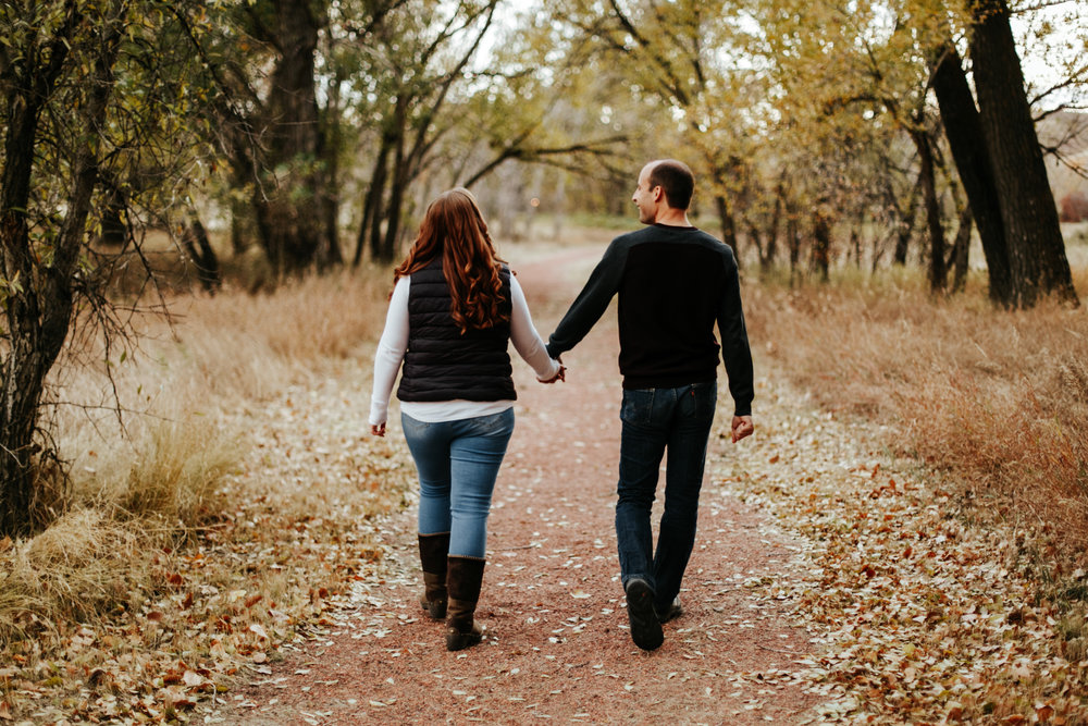 lethbridge-photographer-love-and-be-loved-photography-indian-battle-park-engagement-mike-carmel-photo-image-picture-22.jpg