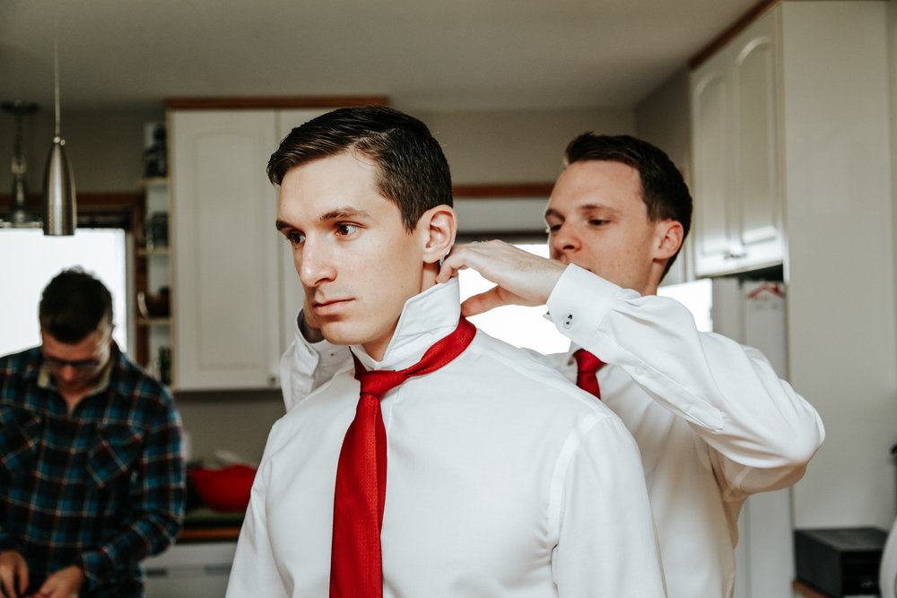 lethbridge-wedding-photographer-love-and-be-loved-photography-groom-prep-photo-image-picture-14.jpg