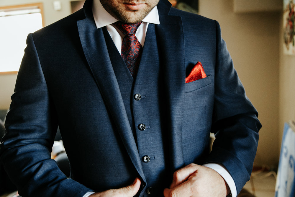 lethbridge-wedding-photographer-love-and-be-loved-photography-groom-prep-photo-image-picture-16.jpg