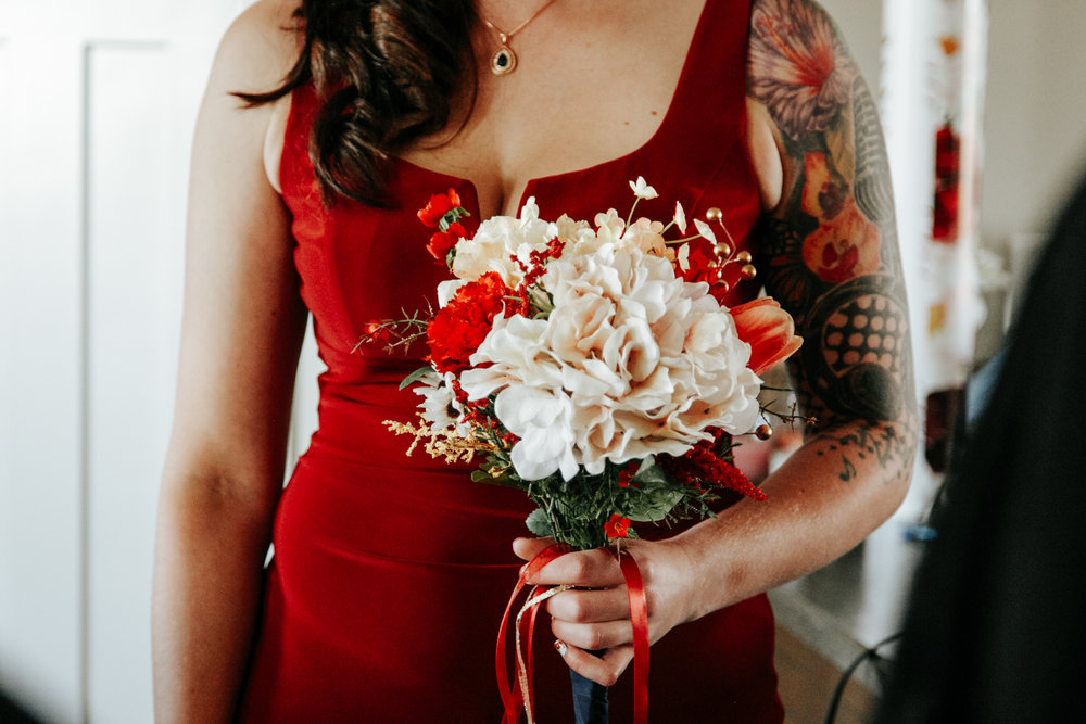 lethbridge-wedding-photographer-love-and-be-loved-photography-bride-prep-photo-image-picture-11.jpg