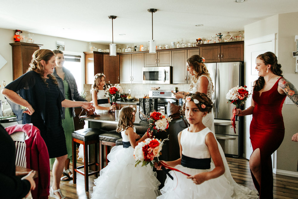 lethbridge-wedding-photographer-love-and-be-loved-photography-bride-prep-photo-image-picture-14.jpg
