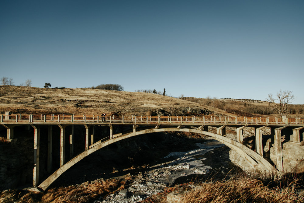 lethbridge-photographer-love-and-be-loved-photography-lundbreck-falls-engagement-clarissa-clayton-picture-image-photo--34.jpg