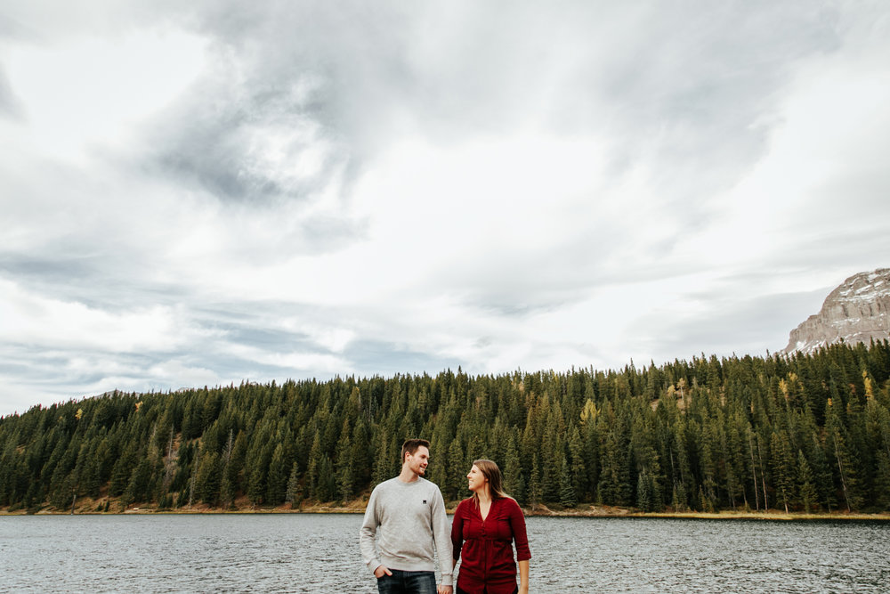 lethbridge-photographer-love-and-be-loved-photography-crowsnest-pass-engagement-andi-philip-picture-image-photo--2.jpg