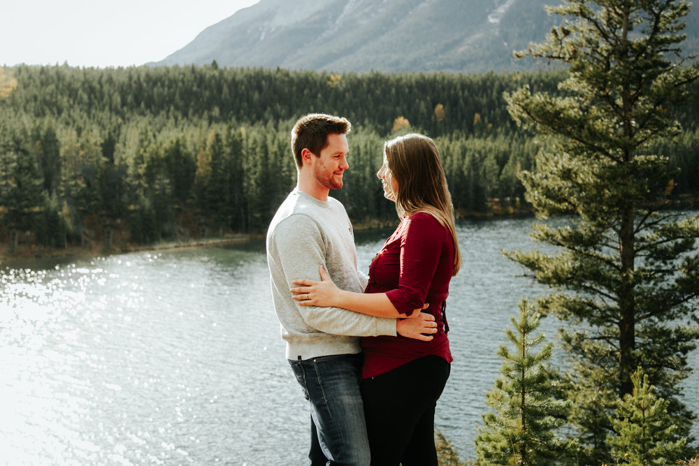 lethbridge-photographer-love-and-be-loved-photography-crowsnest-pass-engagement-andi-philip-picture-image-photo--5.jpg