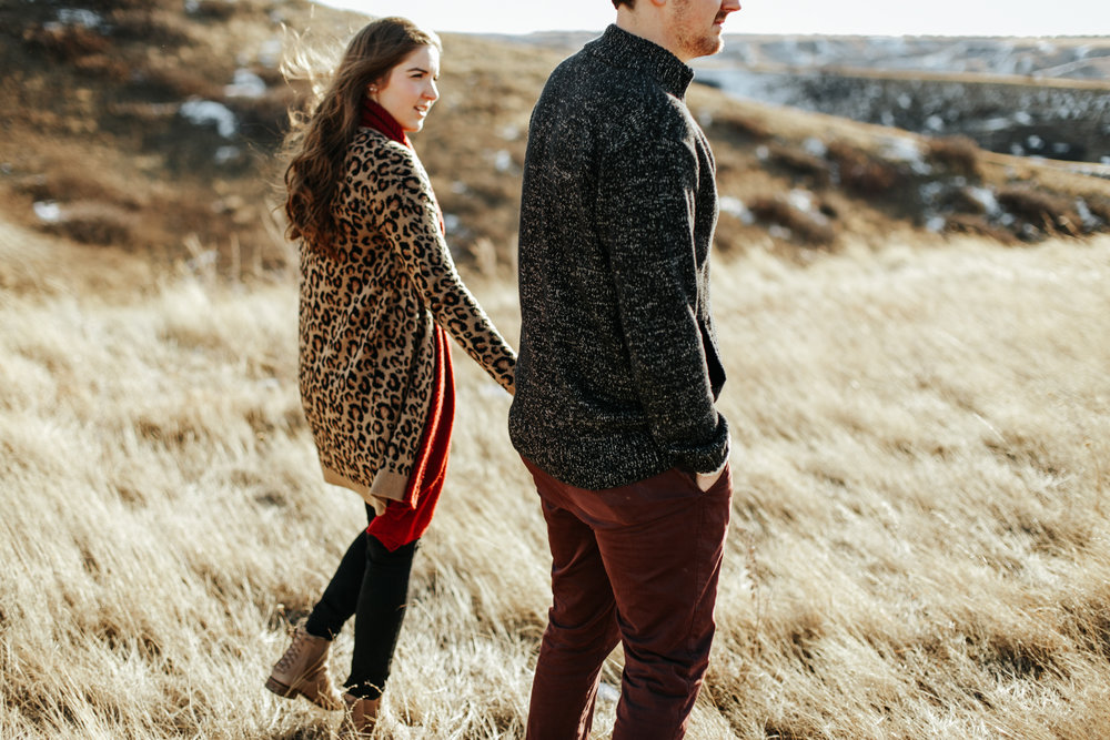 lethbridge-photographer-love-and-be-loved-photography-winter-engagement-emma-tanner-picture-image-photo-16.jpg