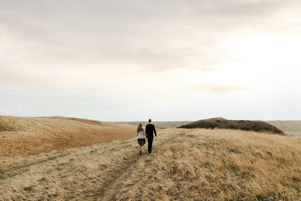 lethbridge-photographer-love-and-be-loved-photography-jessica-john-engagement-picture-image-photo-3.jpg