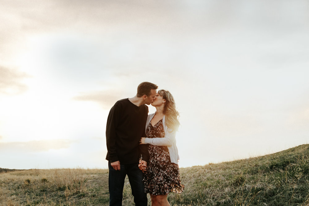 lethbridge-photographer-love-and-be-loved-photography-jessica-john-engagement-picture-image-photo-11.jpg