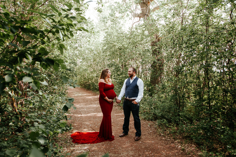 lethbridge-photographer-love-and-be-loved-photography-katie-maternity-birth-photographer-picture-image-photo-1.jpg