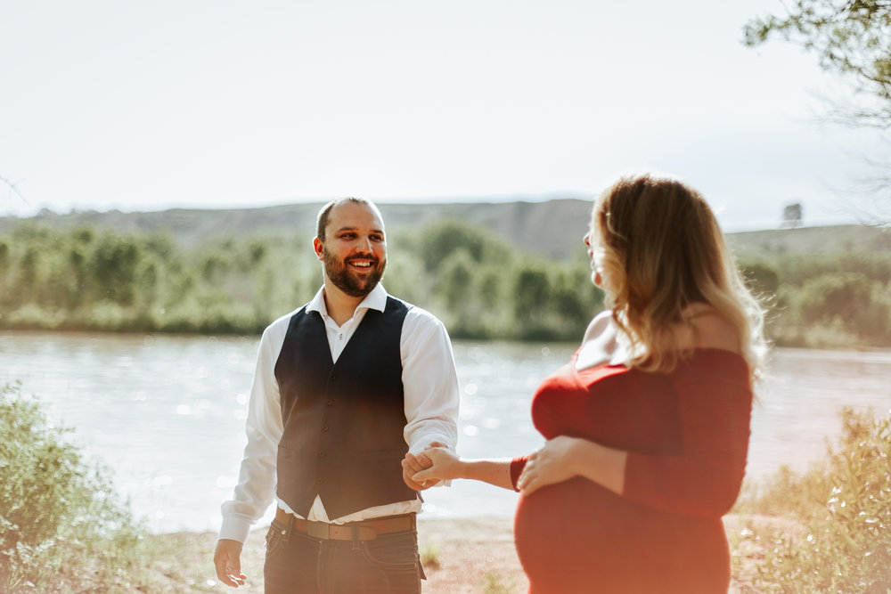 lethbridge-photographer-love-and-be-loved-photography-katie-maternity-birth-photographer-picture-image-photo-10.jpg