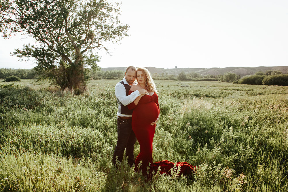 lethbridge-photographer-love-and-be-loved-photography-katie-maternity-birth-photographer-picture-image-photo-19.jpg