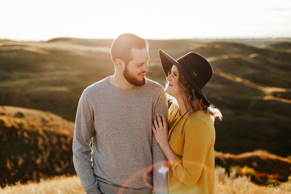 love-and-be-loved-photography-lethbridge-photographer-cody-leah-engagement-coulees-sunset-photo-image-picture-20.jpg