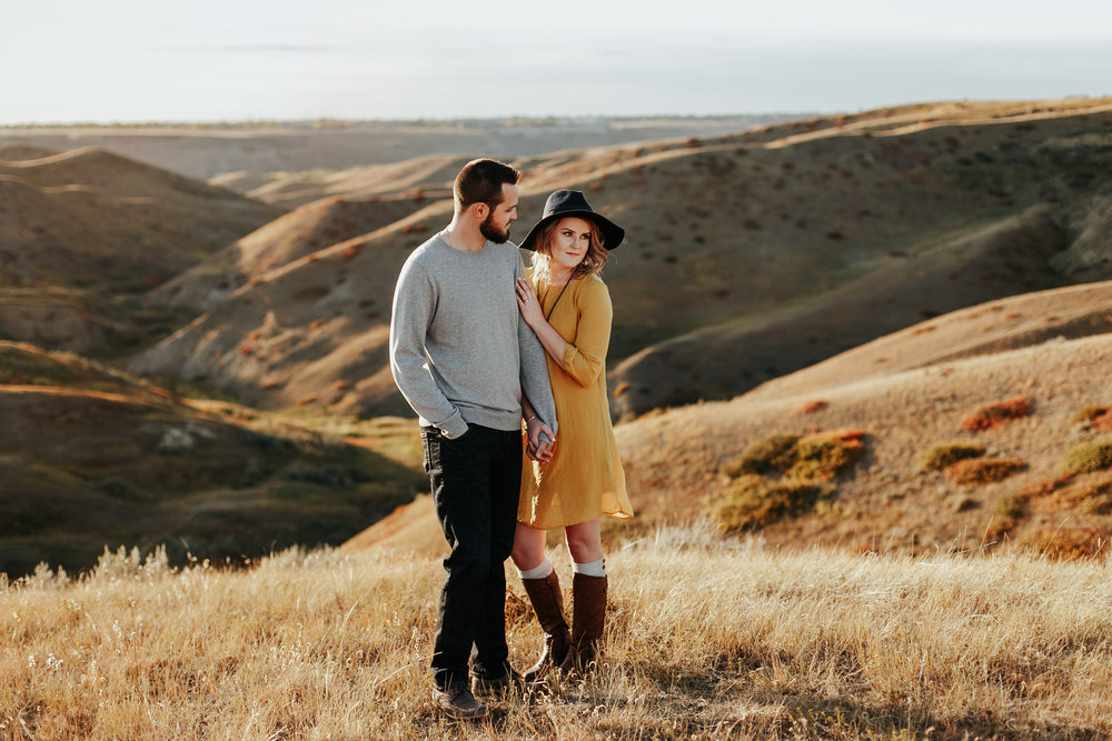 love-and-be-loved-photography-lethbridge-photographer-cody-leah-engagement-coulees-sunset-photo-image-picture-22.jpg