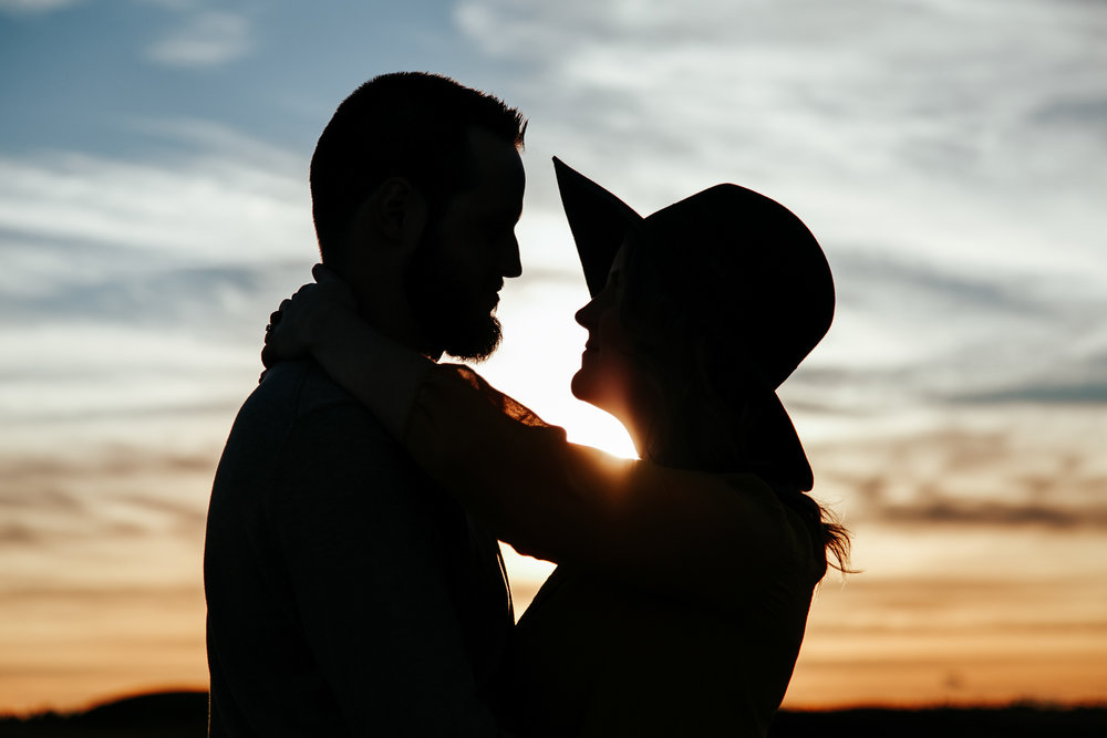 love-and-be-loved-photography-lethbridge-photographer-cody-leah-engagement-coulees-sunset-photo-image-picture-32.jpg