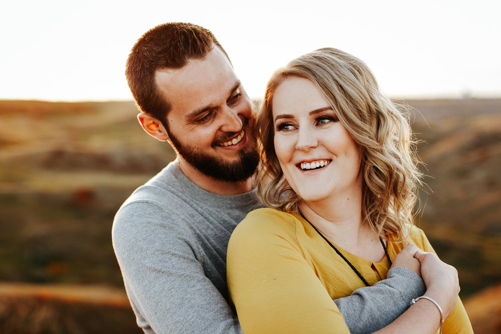 love-and-be-loved-photography-lethbridge-photographer-cody-leah-engagement-coulees-sunset-photo-image-picture-35.jpg