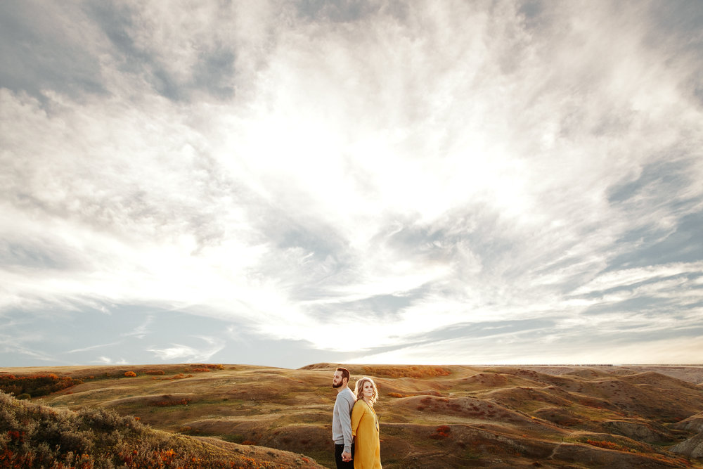 love-and-be-loved-photography-lethbridge-photographer-cody-leah-engagement-coulees-sunset-photo-image-picture-39.jpg