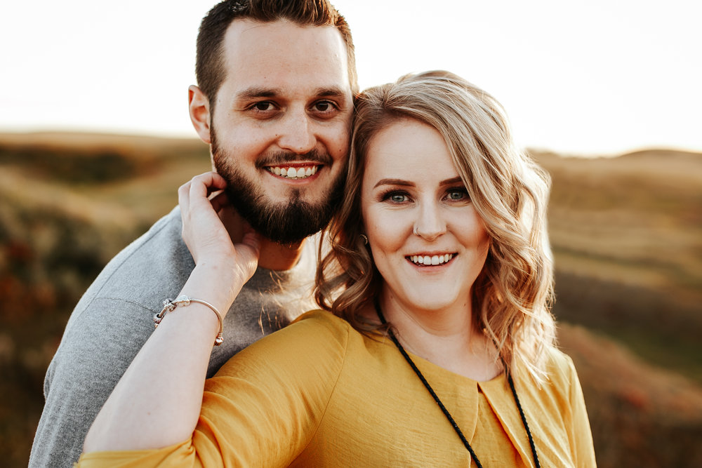 love-and-be-loved-photography-lethbridge-photographer-cody-leah-engagement-coulees-sunset-photo-image-picture-41.jpg