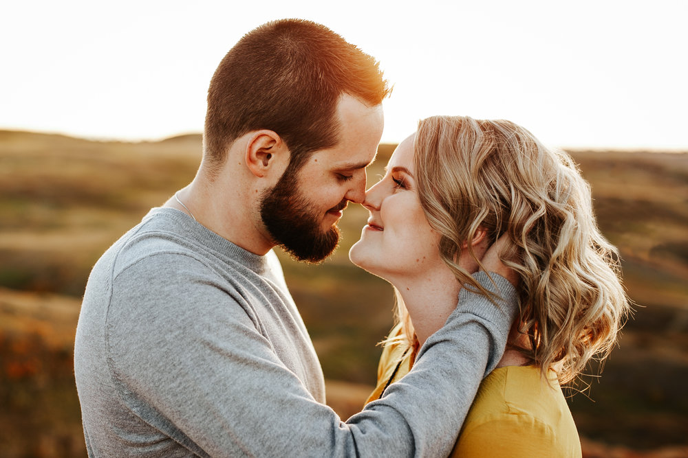 love-and-be-loved-photography-lethbridge-photographer-cody-leah-engagement-coulees-sunset-photo-image-picture-44.jpg