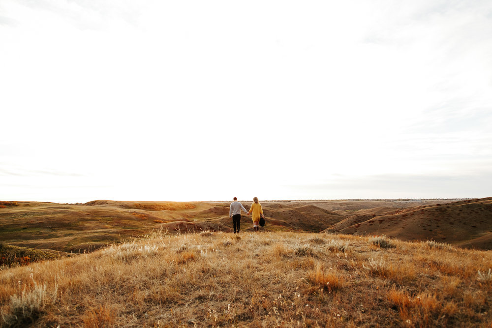 love-and-be-loved-photography-lethbridge-photographer-cody-leah-engagement-coulees-sunset-photo-image-picture-48.jpg