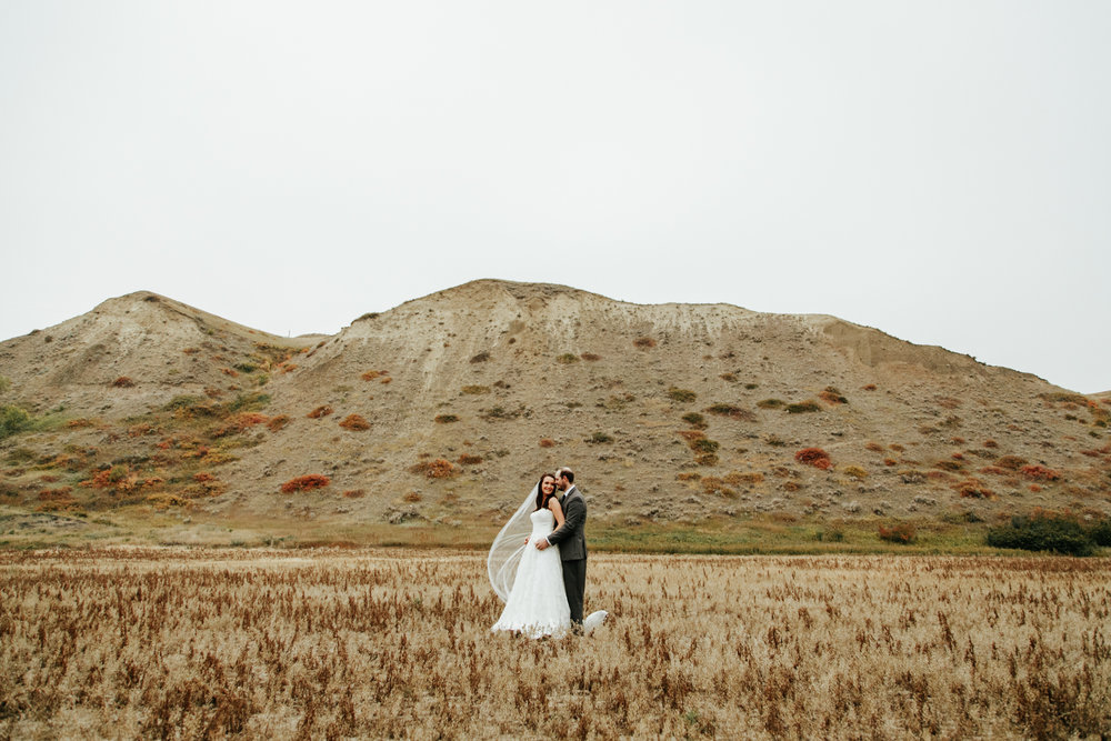 lethbridge-wedding-photographer-love-and-be-loved-photography-laura-mike-anniversary-session-engagement-portraits-picture-image-portrait-20.jpg