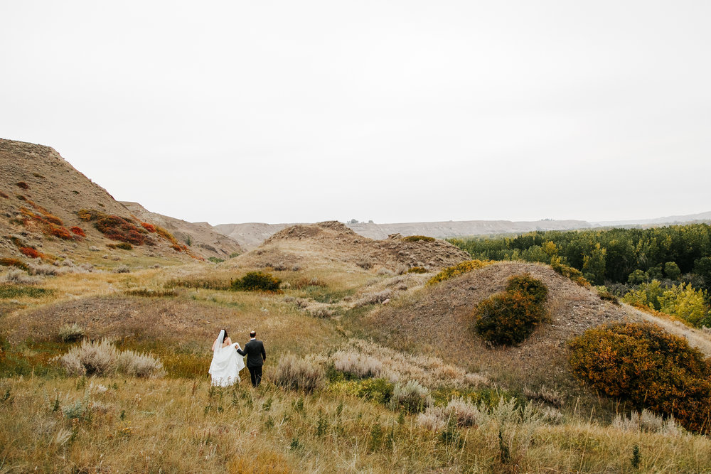 lethbridge-wedding-photographer-love-and-be-loved-photography-laura-mike-anniversary-session-engagement-portraits-picture-image-portrait-28.jpg
