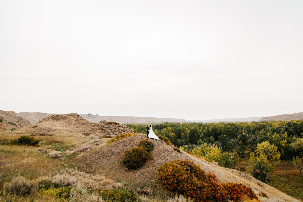lethbridge-wedding-photographer-love-and-be-loved-photography-laura-mike-anniversary-session-engagement-portraits-picture-image-portrait-30.jpg