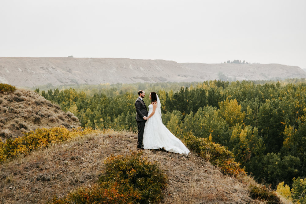 lethbridge-wedding-photographer-love-and-be-loved-photography-laura-mike-anniversary-session-engagement-portraits-picture-image-portrait-31.jpg