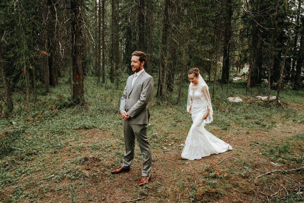 love-and-be-loved-photography-lake-louise-wedding-banff-photographers-carter-kayla-photo-image-picture-23.jpg