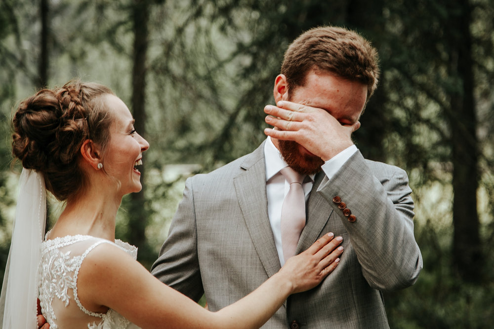love-and-be-loved-photography-lake-louise-wedding-banff-photographers-carter-kayla-photo-image-picture-26.jpg