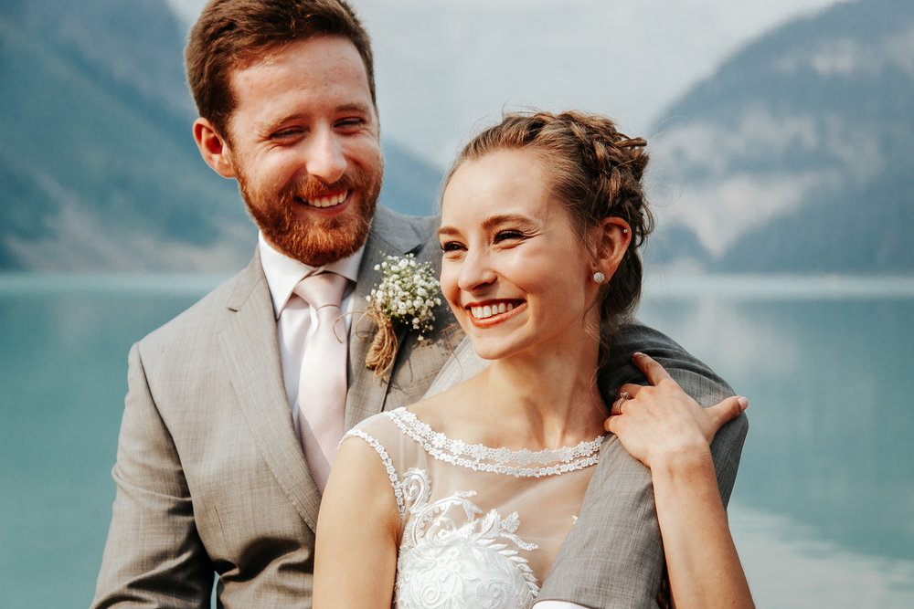 love-and-be-loved-photography-lake-louise-wedding-banff-photographers-carter-kayla-photo-image-picture-31.jpg