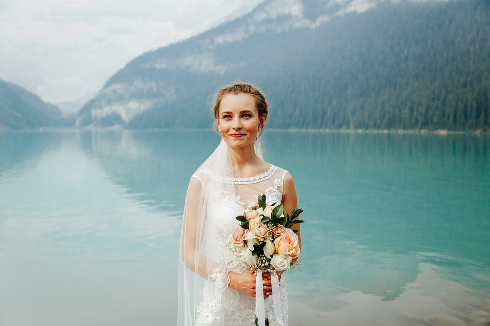 love-and-be-loved-photography-lake-louise-wedding-banff-photographers-carter-kayla-photo-image-picture-42.jpg